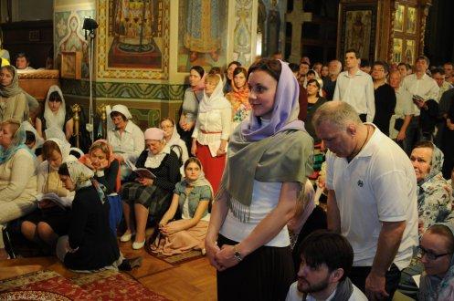 Фоторепортаж из Свято-Троицкого Ионинского монастыря о праздновании Светлого праздника Пасхи 359