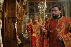 Фоторепортаж из Свято-Троицкого Ионинского монастыря о праздновании Светлого праздника Пасхи 391
