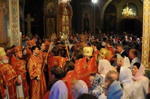 Фоторепортаж из Свято-Троицкого Ионинского монастыря о праздновании Светлого праздника Пасхи 457