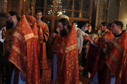 Фоторепортаж из Свято-Троицкого Ионинского монастыря о праздновании Светлого праздника Пасхи 479