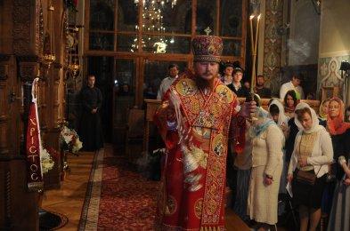 Фоторепортаж из Свято-Троицкого Ионинского монастыря о праздновании Светлого праздника Пасхи 496