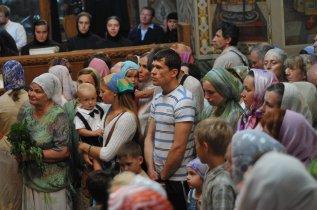 Святая Троица. Фотографии праздничного богослужения из Свято-Троицкого Ионинского монастыря.2013 год. 175