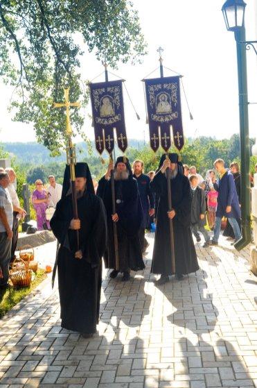 300 фото с храмового праздника Преображение Господне Спасо-Преображенского скита Ионинского монастыря 196