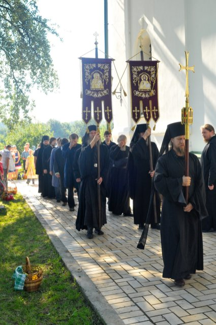 300 фото с храмового праздника Преображение Господне Спасо-Преображенского скита Ионинского монастыря 197