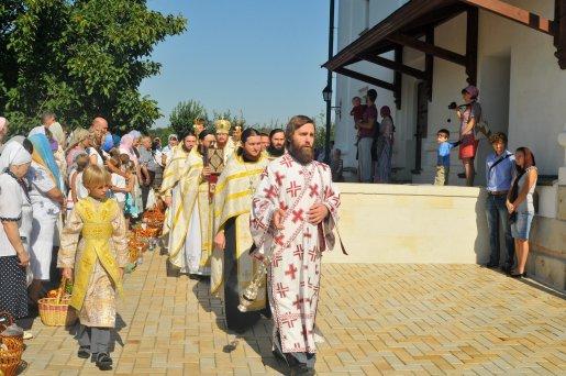 300 фото с храмового праздника Преображение Господне Спасо-Преображенского скита Ионинского монастыря 202