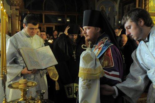 Фотографии с Рождественской службы в СвятоТроицком Ионинском монастыре 130