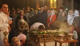 Фото репортаж со Свято-Троицкого Ионинского монастыря г.Киев со Светлого Праздника Воскресения Христова. 24
