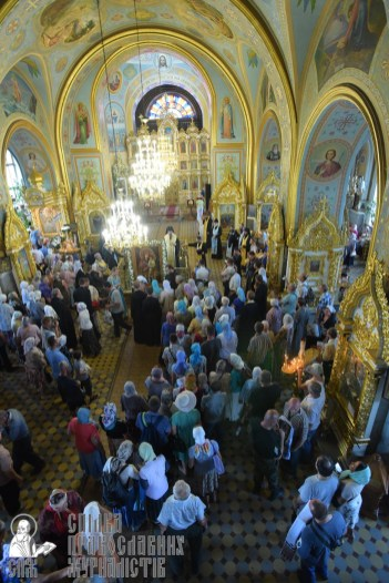 0403_0329_great ukrainian procession with the prayer for peace and unity of ukraine