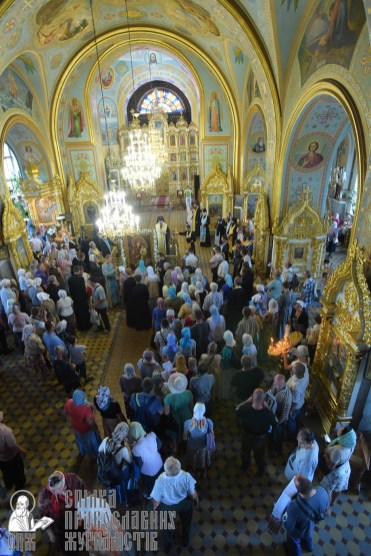0404_0329_great ukrainian procession with the prayer for peace and unity of ukraine
