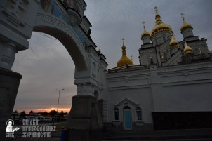 easter_procession_ukraine_pochaev_0004