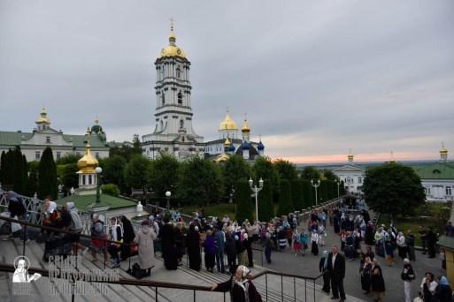 easter_procession_ukraine_pochaev_0007