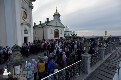 easter_procession_ukraine_pochaev_0017
