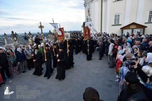 easter_procession_ukraine_pochaev_0023