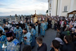 easter_procession_ukraine_pochaev_0041
