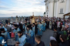 easter_procession_ukraine_pochaev_0042