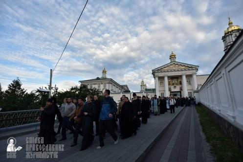 easter_procession_ukraine_pochaev_0055