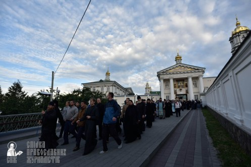 easter_procession_ukraine_pochaev_0055