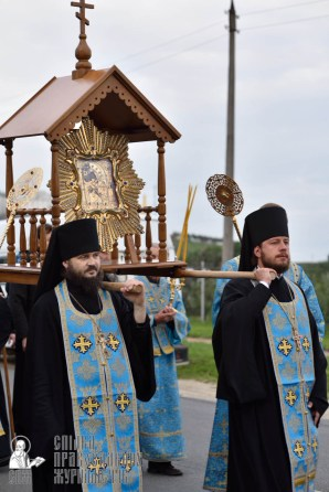 easter_procession_ukraine_pochaev_0092