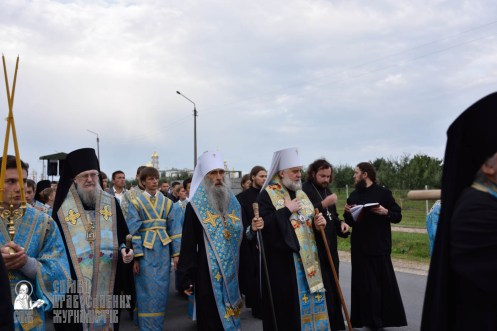 easter_procession_ukraine_pochaev_0104