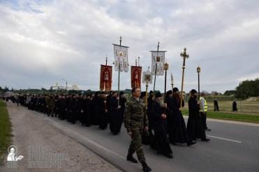 easter_procession_ukraine_pochaev_0116