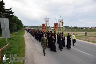 easter_procession_ukraine_pochaev_0117