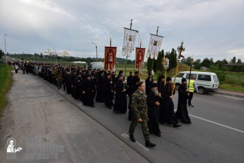 easter_procession_ukraine_pochaev_0129