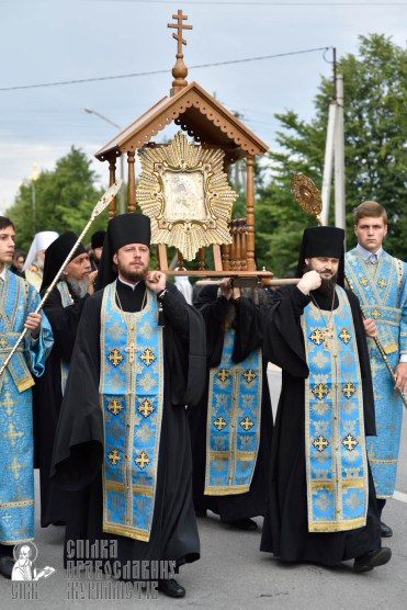 easter_procession_ukraine_pochaev_0152