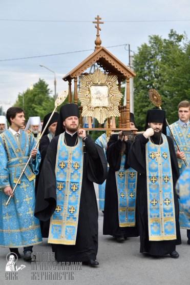 easter_procession_ukraine_pochaev_0153