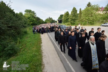easter_procession_ukraine_pochaev_0183