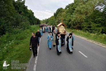 easter_procession_ukraine_pochaev_0195