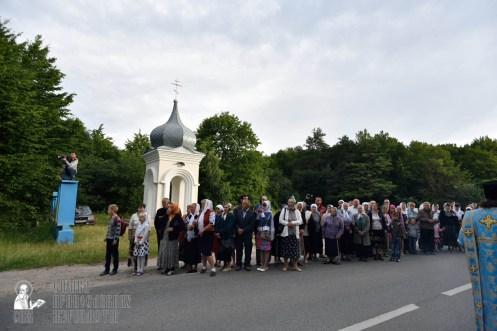 easter_procession_ukraine_pochaev_0200