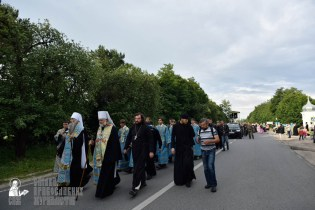 easter_procession_ukraine_pochaev_0206