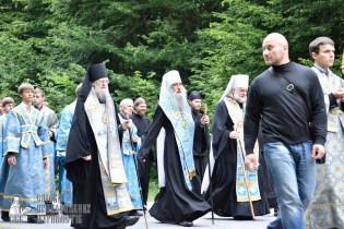 easter_procession_ukraine_pochaev_0214