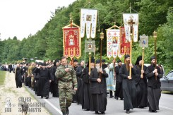 easter_procession_ukraine_pochaev_0218