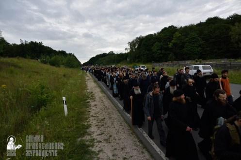 easter_procession_ukraine_pochaev_0237
