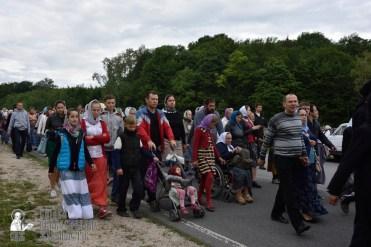 easter_procession_ukraine_pochaev_0277