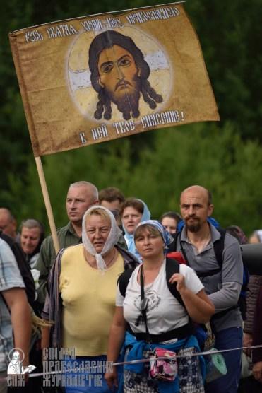 easter_procession_ukraine_pochaev_0313