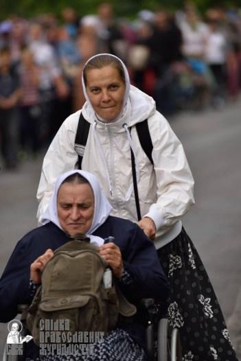 easter_procession_ukraine_pochaev_0340