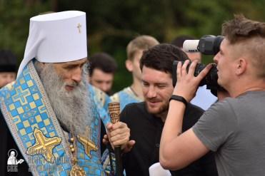 easter_procession_ukraine_pochaev_0375