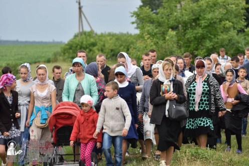 easter_procession_ukraine_pochaev_0381