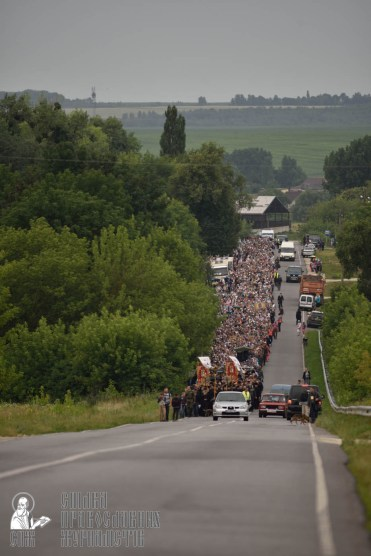 easter_procession_ukraine_pochaev_0393