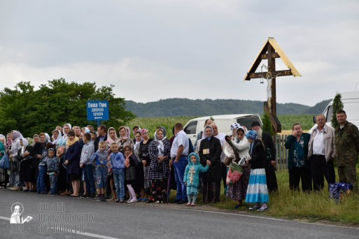 easter_procession_ukraine_pochaev_0409