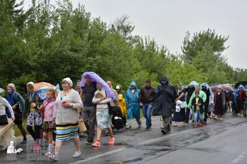 easter_procession_ukraine_pochaev_0425