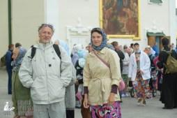 easter_procession_ukraine_pochaev_sr_0028