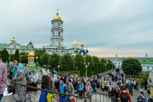 easter_procession_ukraine_pochaev_sr_0041