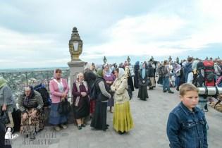 easter_procession_ukraine_pochaev_sr_0046