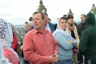 easter_procession_ukraine_pochaev_sr_0056