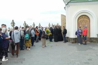 easter_procession_ukraine_pochaev_sr_0057