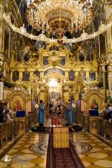 easter_procession_ukraine_pochaev_sr_0060