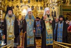easter_procession_ukraine_pochaev_sr_0065